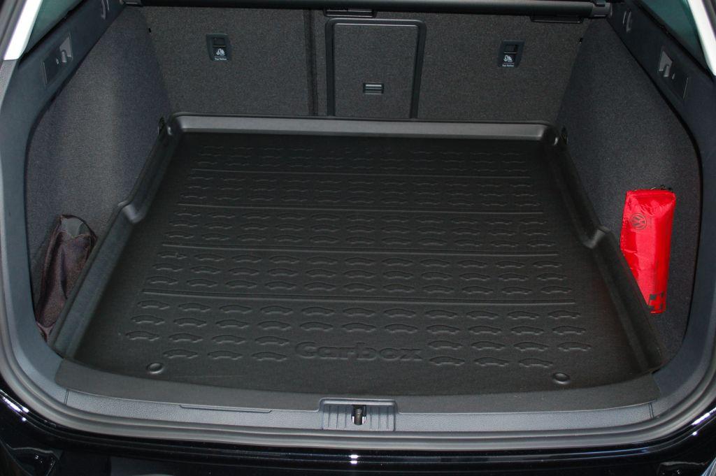 carbox form vw golf vii variant mit hohem ladeboden. Black Bedroom Furniture Sets. Home Design Ideas