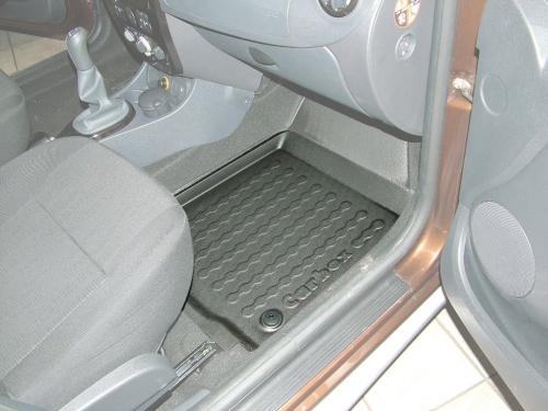 Carbox FLOOR Fußraumschale Dacia Duster 4x4 und 4x2 / Logan MCV Kombi vorne