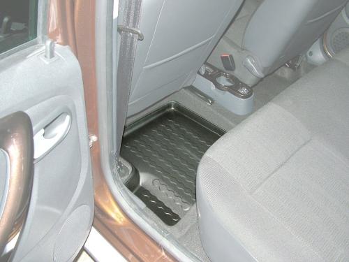 Carbox FLOOR Fußraumschale Dacia Duster 4x4 4x2/Logan MCV Kombi hinten